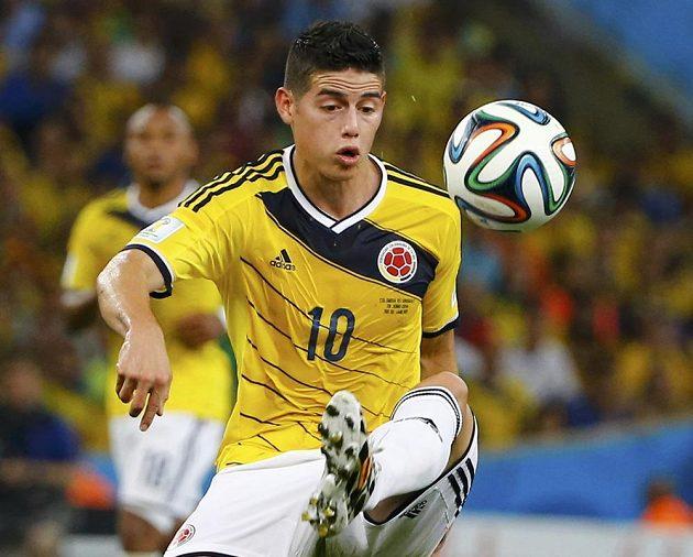 Kolumbijec James Rodríguez potvrdil i v osmifinále MS proti Uruguayi roli kanonýra.