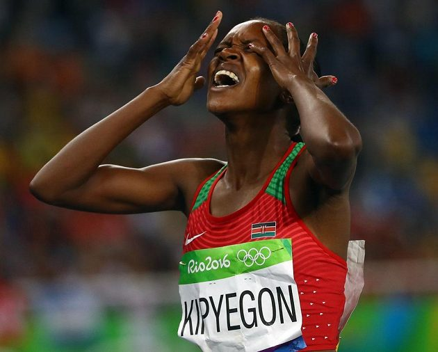 Keňská běžkyně Faith Kipyegonová vyhrála finále na 1500 metrů.