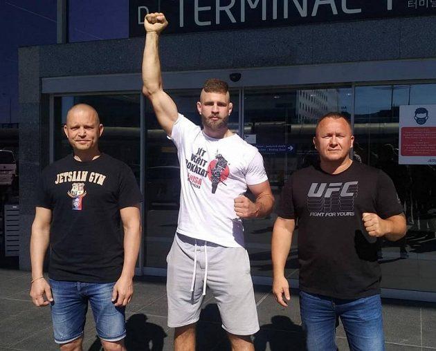 Jiří Procházka vyrazil na premiéru v UFC.