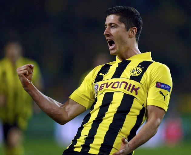 Robert Lewandowski jásá! Právě poslal Dortmund do vedení v první semifinálové bitvě fotbalové Ligy mistrů proti slavnému Realu Madrid.