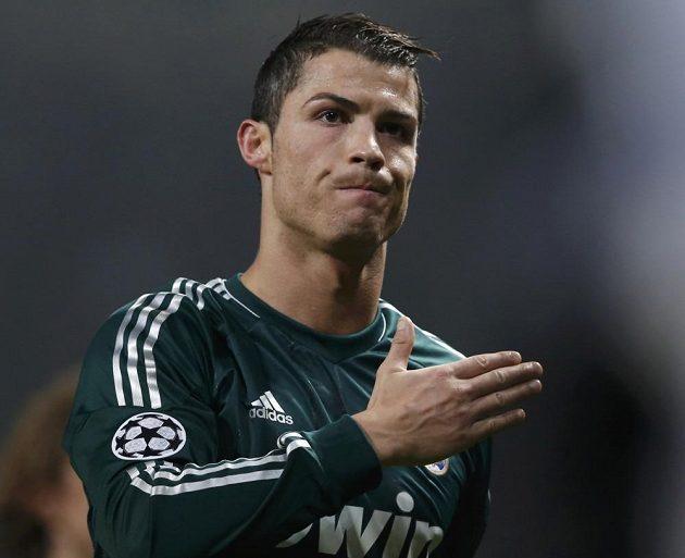 Cristiano Ronaldo byl dojatý, fanoušci na Old Trafford ho přijali velmi vřele.