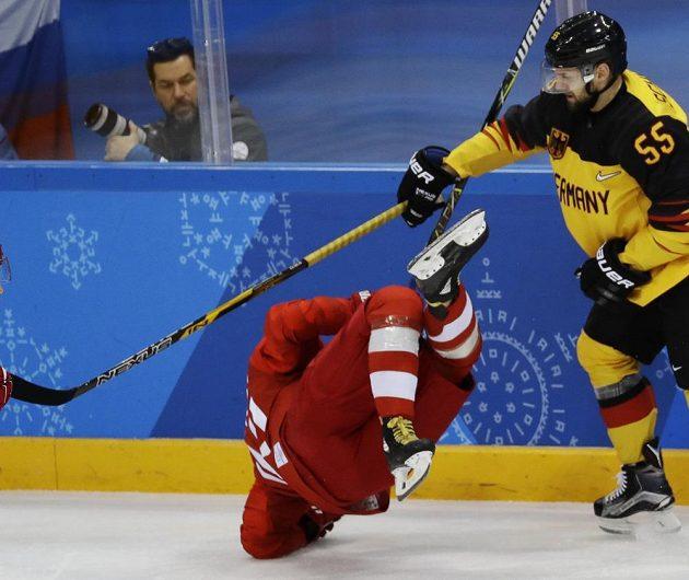Ruské hokejisty bitva o olympijské zlato s Německem chvílemi hodně bolela.