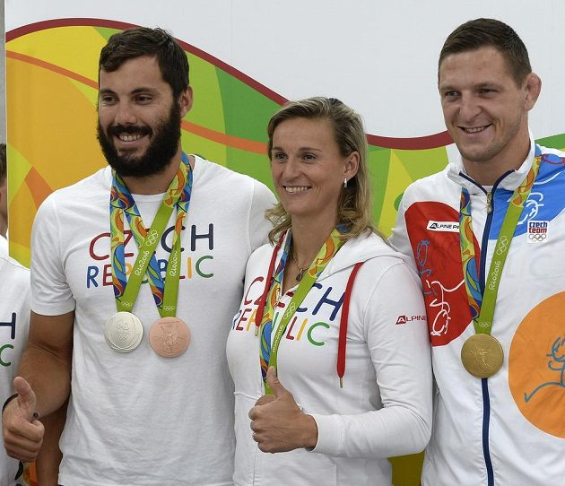 Zleva stříbrný a bronzový kajakář Josef Dostál, bronzová oštěpařka Barbora Špotáková a zlatý judista Lukáš Krpálek po návratu z olympijských her v Riu de Janeiro.