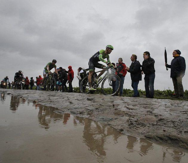 Lars Boom z Nizozemska se na kostky a těžké podmínky těšil. Dojel si pro triumf v páté etapě Tour.