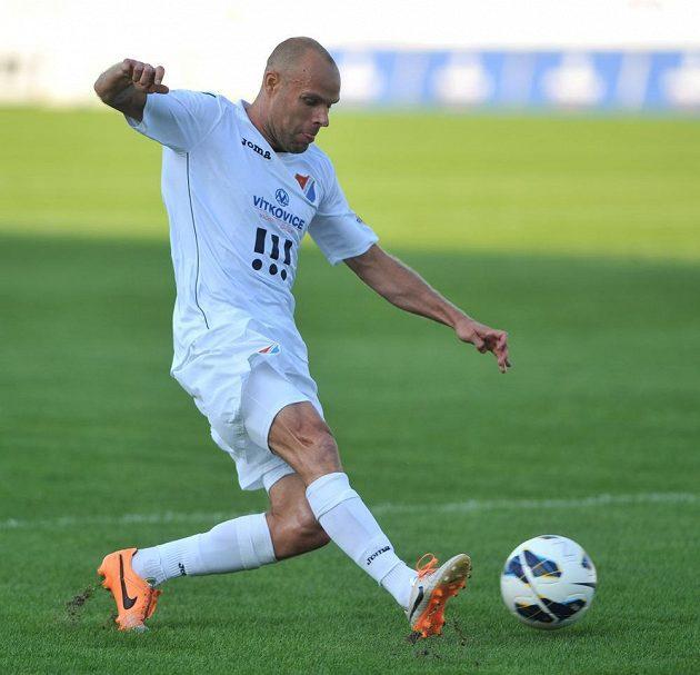Ostravský záložník Joel Lindpere v utkání proti Brnu.