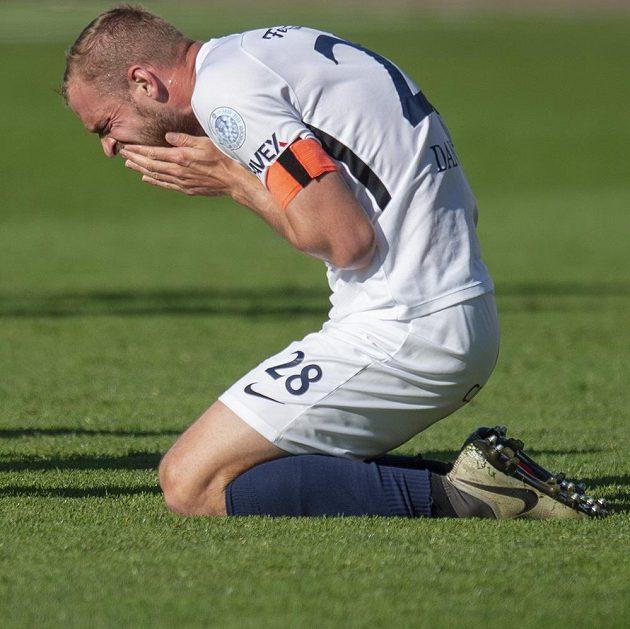 Vlastimil Daníček ze Slovácka a jeho bolestivá grimasa během utkání první fotbalové ligy v Liberci.