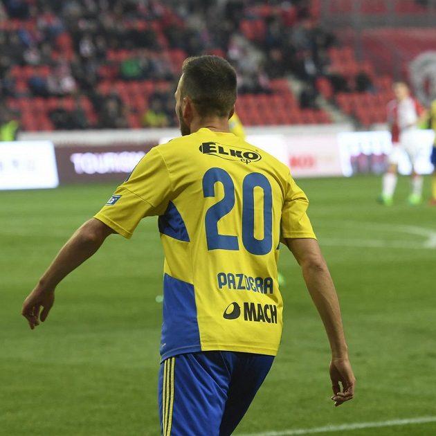 Lukáš Pazdera ze Zlína během semifinále MOL Cupu se Slavii.