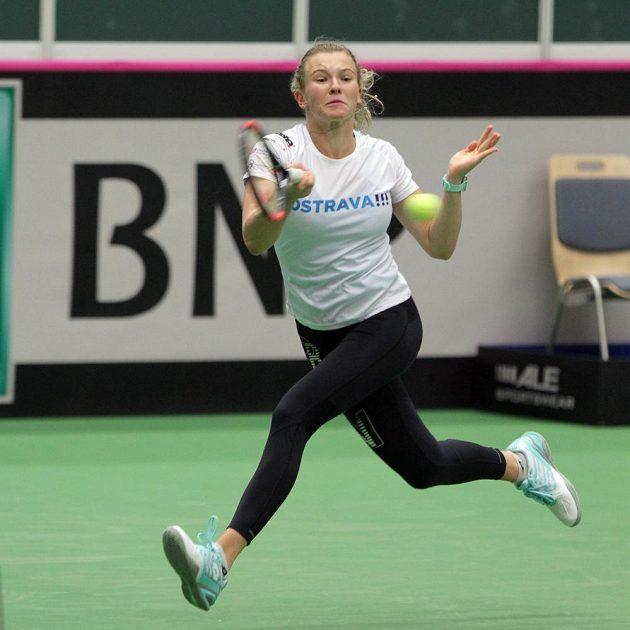 Kateřina Siniaková na tréninku českých tenistek