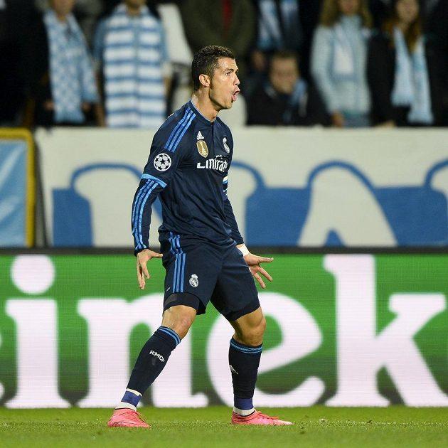 Hvězda Realu Madrid Cristiano Ronaldo oslavuje gól proti Malmö v Lize mistrů.