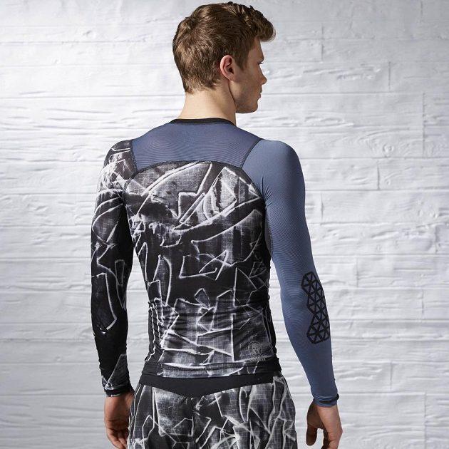 Triko Reebok Spartan Pro Long Sleeve Compression Shirt zezadu vypadá snad ještě lépe.