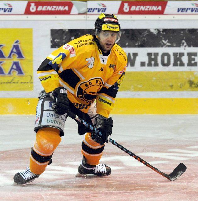 Litvínovský Robin Hanzl v utkání s Brnem.