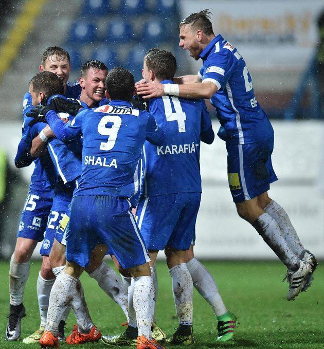 Radost hráčů Liberce z prvního gólu.