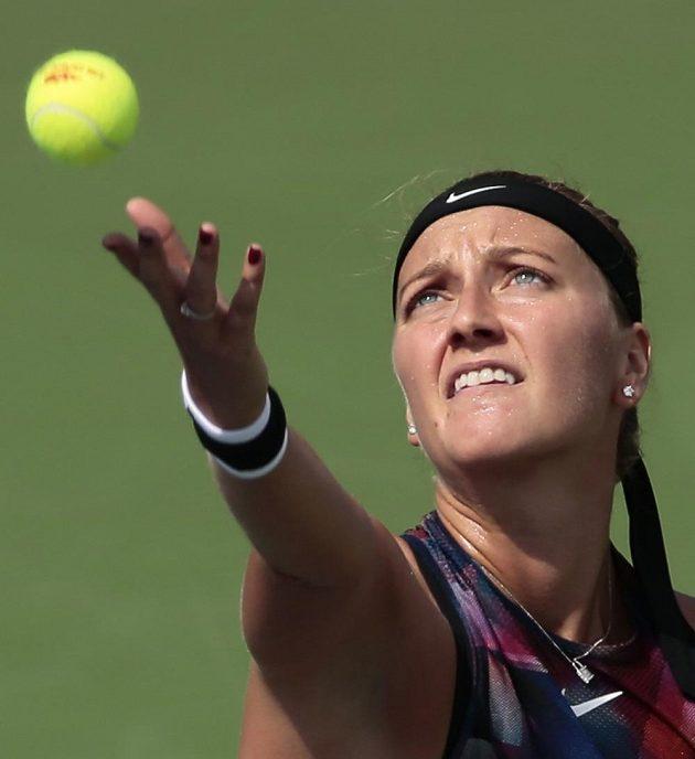 Petra Kvitová při utkání prvního kola US Open se Srbkou Jelenou Jankovičovou.