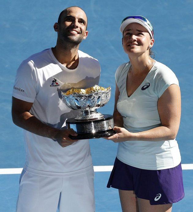 Vítězové smíšené čtyřhry Juan-Sebastian Cabal a Abigail Spearsová.