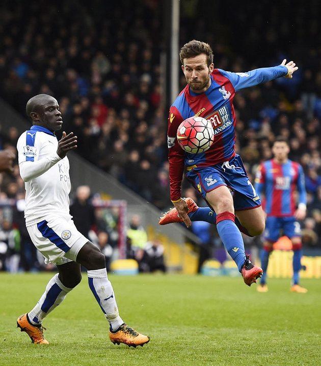 Yohan Cabaye z Crystal Palace a N'Golo Kante z Leicesteru.