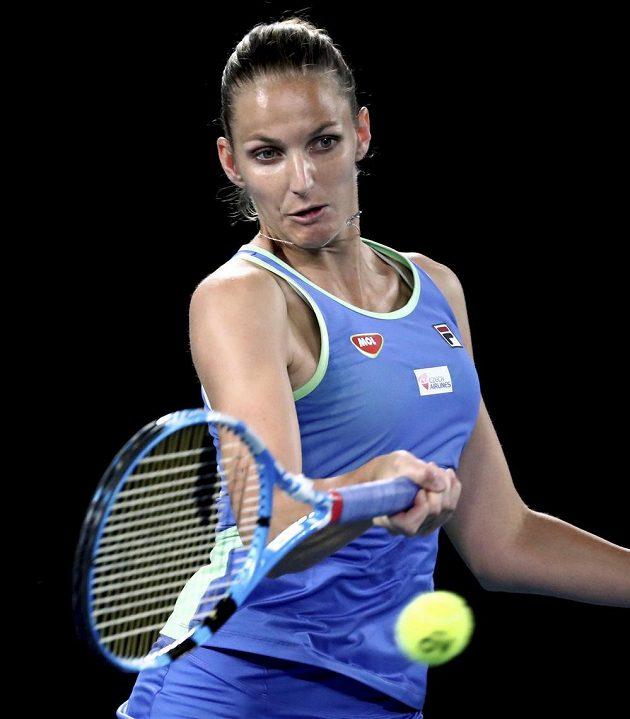 Česká tenistka Karolína Plíšková v akci na grandslamovém Australian Open.