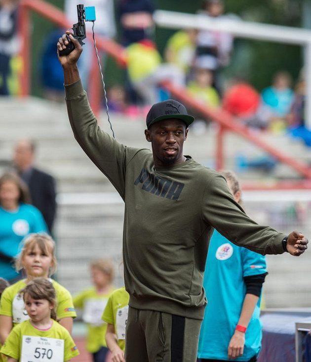 Usain Bolt se během akce Čokoládová Tretra představil i jako startér.