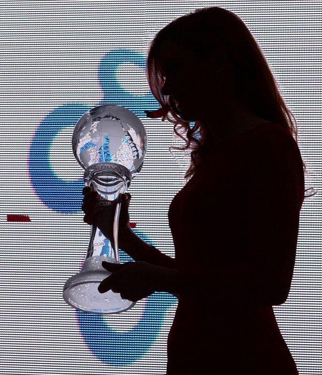 Gabriela Soukalová s křišťálovým glóbem.