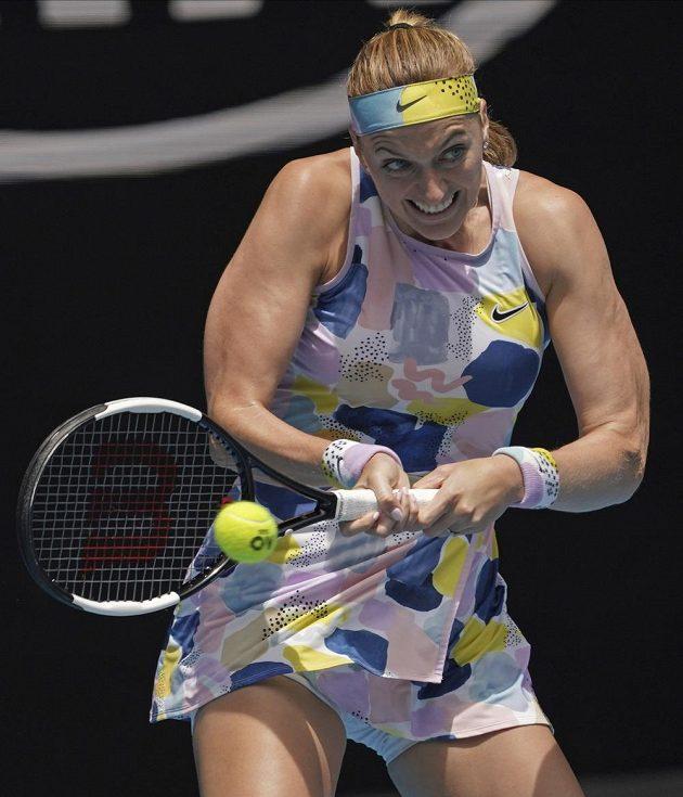 Petra Kvitová při melbournském souboji s Australankou Ashleigh Bartyovou.