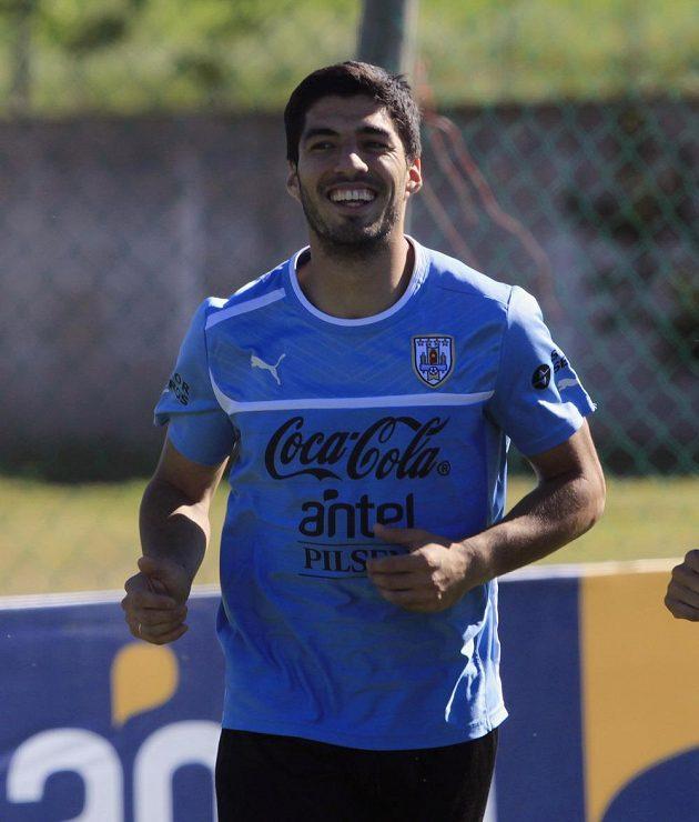 Uruguajský útočník Luis Suarez na tréninku národního týmu před brazilským MS.