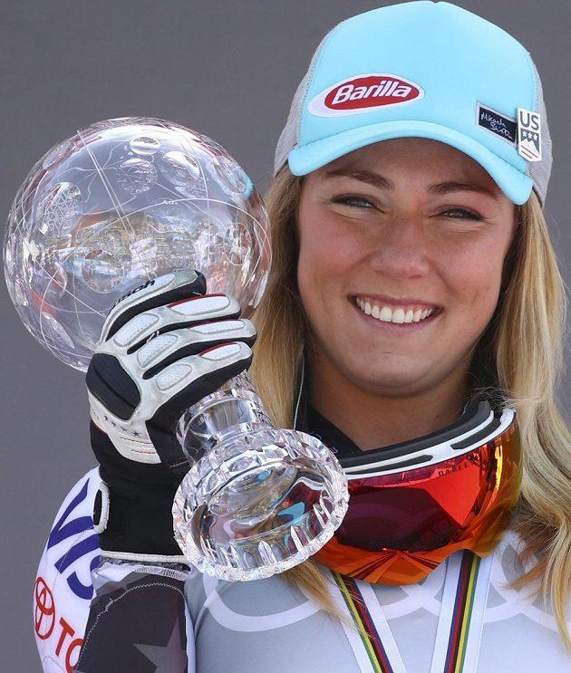 Americká lyžařská hvězda Mikaela Shiffrinová získala čtvrtý křišťálový glóbus.