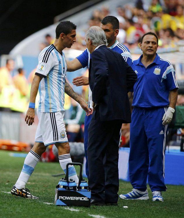 Argentinec Ángel Di María musel ve čtvrtfinále s Belgií předčasně ze hry. Už v první půli ho střídal Enzo Pérez.