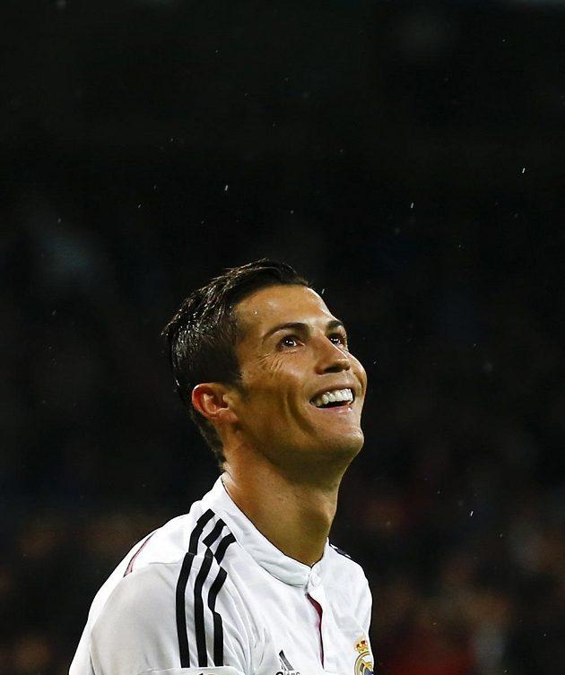 Cristiano Ronaldo slaví svůj gól v utkání proti Rayu Vallecano.
