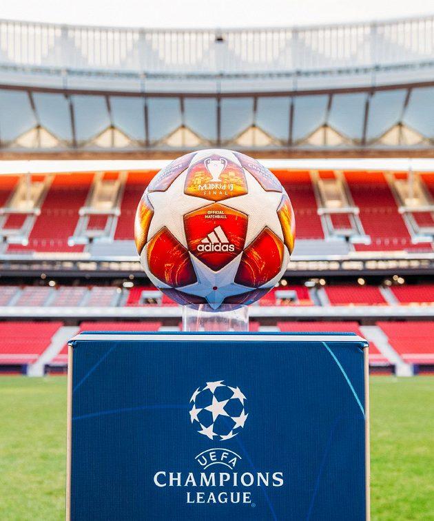 Míč pro finále Ligy mistrů je nachystaný, teď jen se do Madridu probojovat...