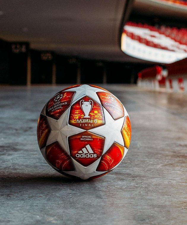 Jak se vám míč pro finále Ligy mistrů líbí...?