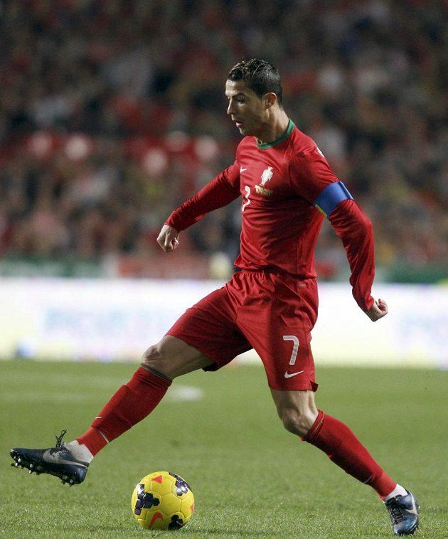Portugalský fotbalista Cristiano Ronaldo v barážovém utkání o postup na MS proti Švédsku.