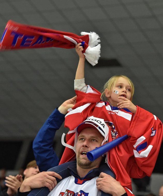 Radost domácích fanoušků, český tým zvítězil nad Finy 3:2.