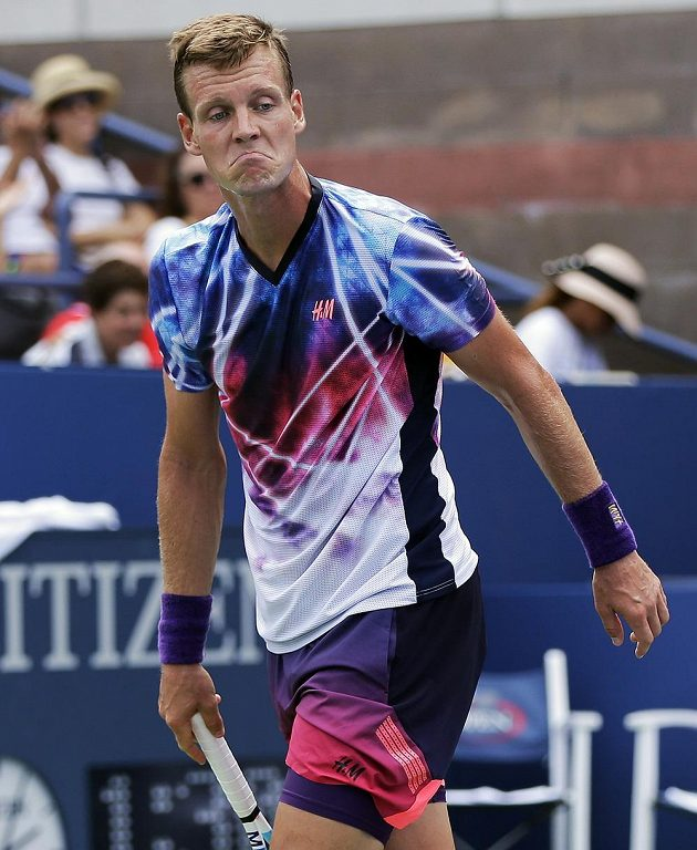 Tomáš Berdych v zápase 1. kola US Open s Bjornem Fratangelem.