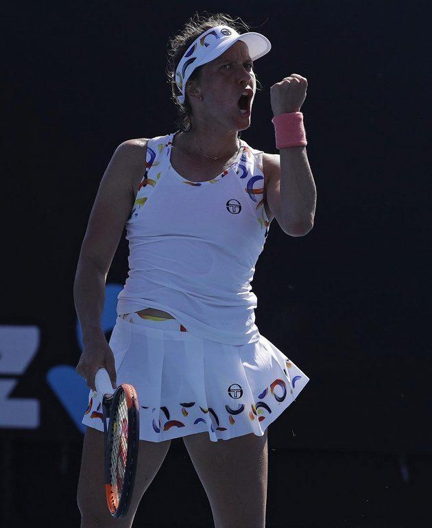Barbora Strýcová se povzbuzuje v utkání 1. kola Australian Open.