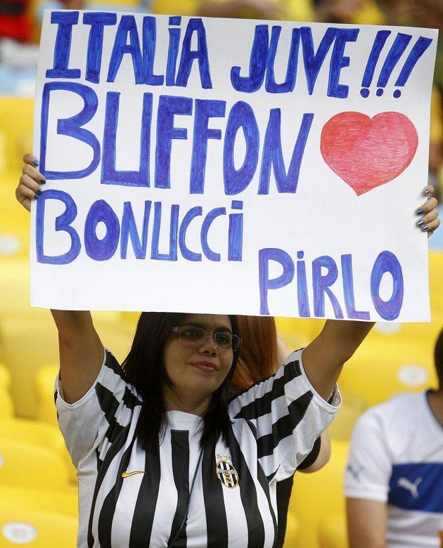 Fanynka italského fotbalu, hlavně Juventusu.