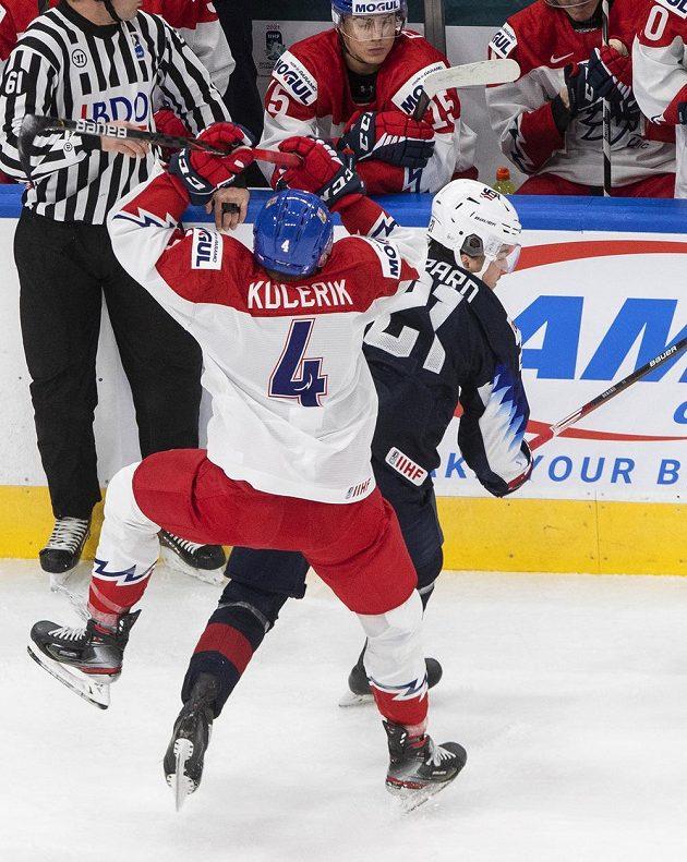 Američan Brett Berard (21) Radek Kučeřík (4).