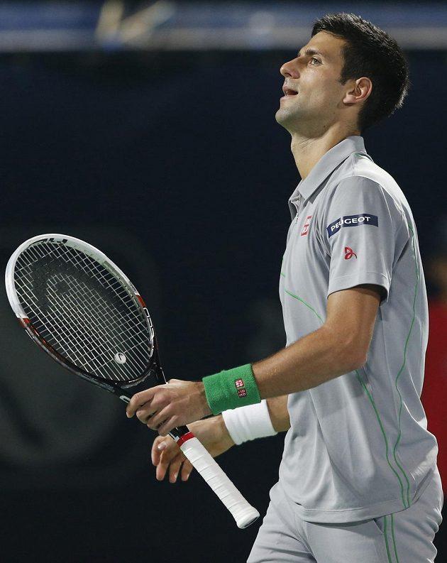 Zklamaný tenista Novak Djokovič.