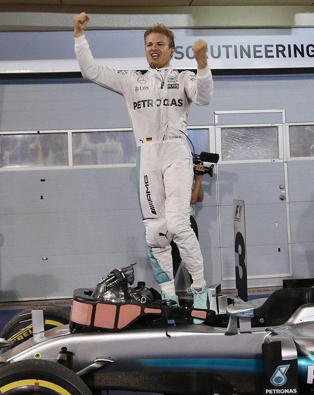Němec Nico Rosberg bezprostředně po vítězství v BAhrajnu.