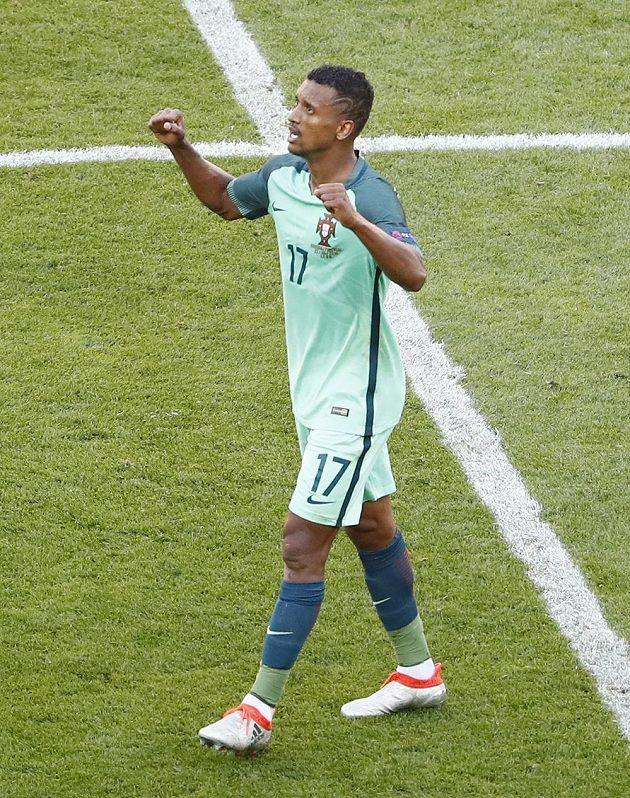 Nani slaví svůj vyrovnávací gól proti Maďarsku.