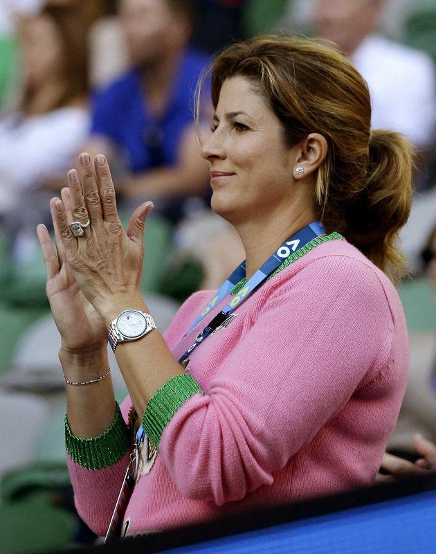 Manželka Rogera Federera Mirka podporuje svého chotě v semifinále Australian Open.