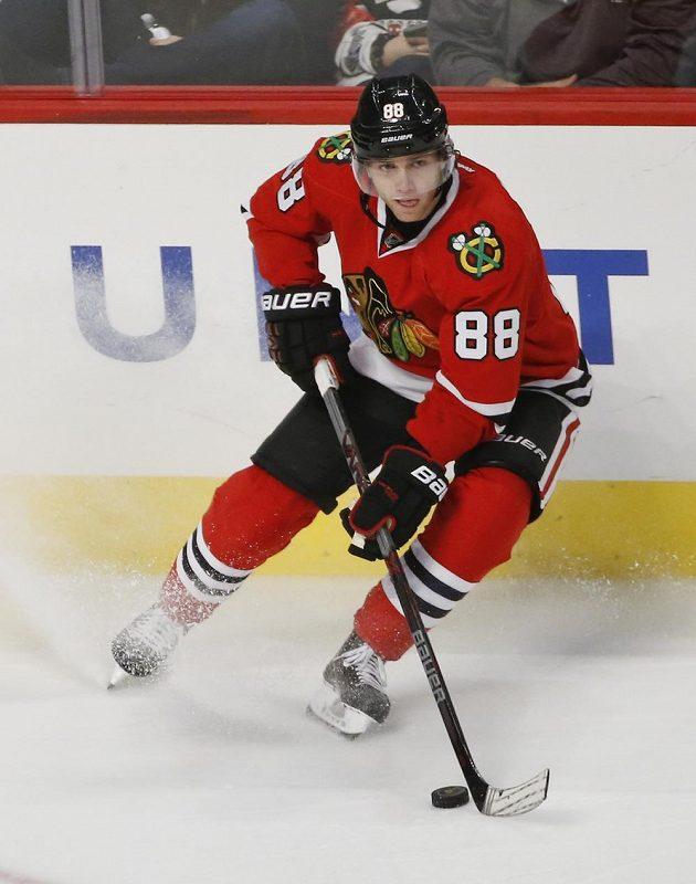 Útočník Patrick Kane z Chicaga ani v utkání NHL proti Winnipegu nevyšel bodově naprázdno.