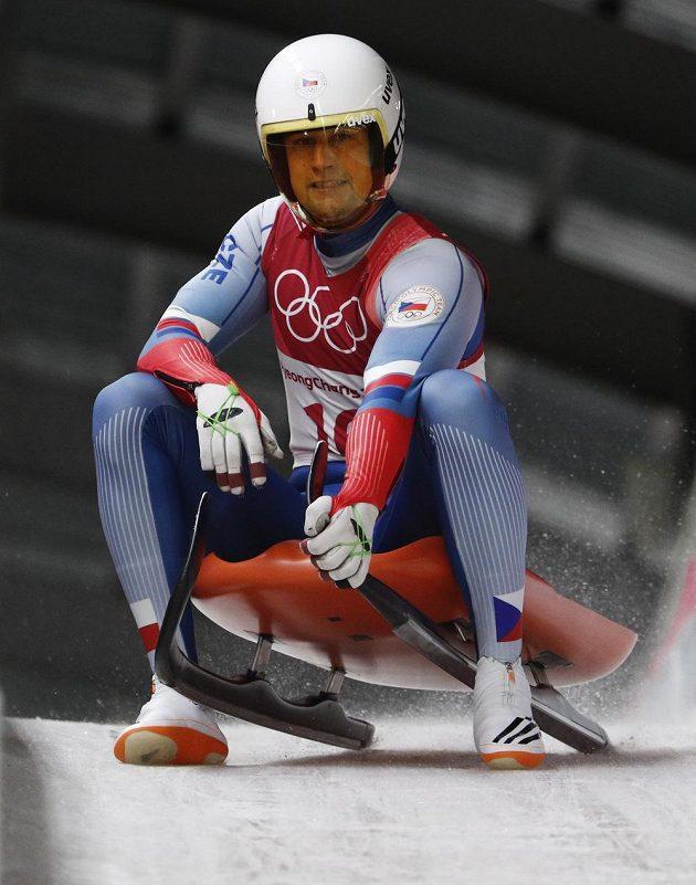 Český sáňkař Ondřej Hyman na korejské olympiádě.