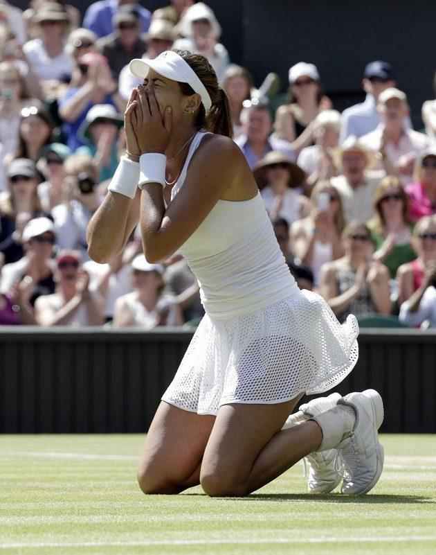 Radost Garbiňe Muguruzaové po postupu do finále Wimbledonu.