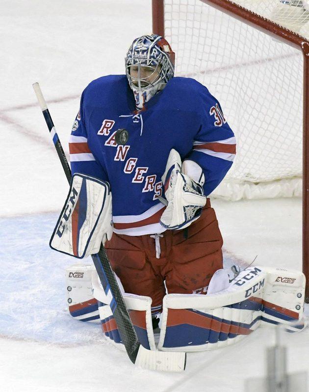 Ondřej Pavelec, protagonista utkání NHL Rangers s Dallasem.