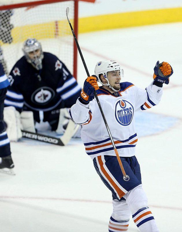 Anton Slepišev rozhodl duel s Winnipegem. V bráně Jets je zklamaný Ondřej Pavelec.