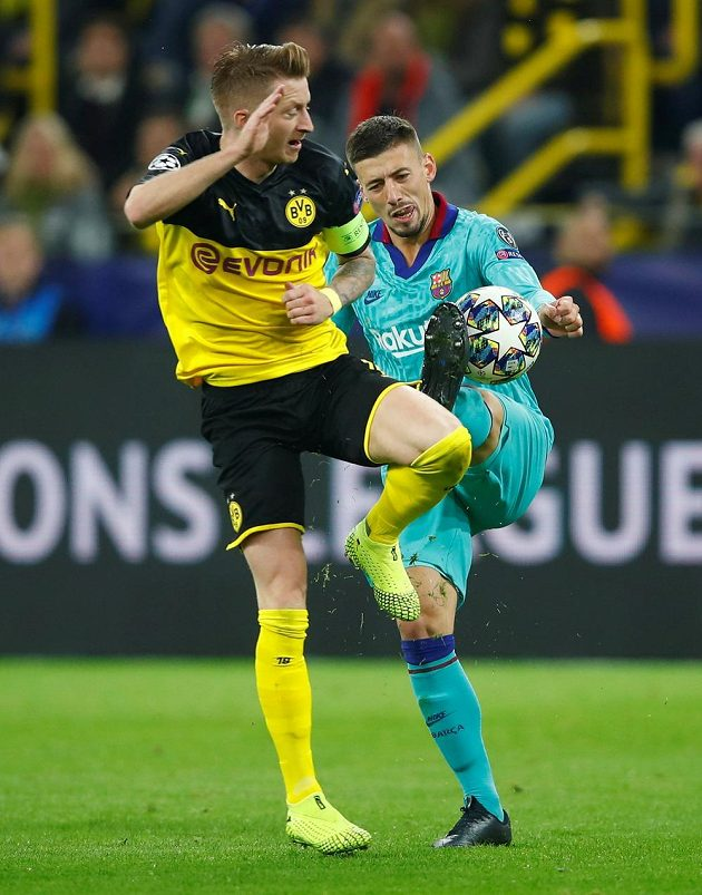 Marco Reus v tvrdém souboji s Lengletem