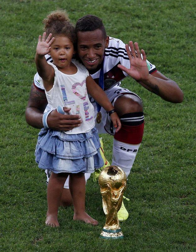 Německý obránce Jerome Boateng s dcerou.