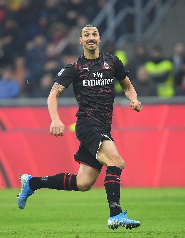 Legendární útočník Zlatan Ibrahimovic v akci v dresu AC Milán.