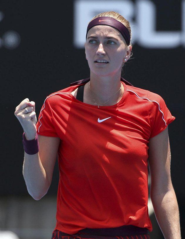 Česká tenistka Petra Kvitová a její vítězné gesto