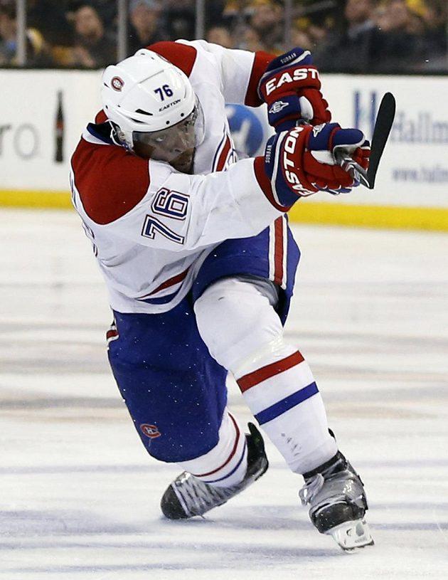 Montrealský bek P.K. Subban dává ve druhém prodloužení utkání s Bostonem rozhodující gól.