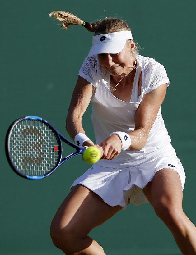 Ruská tenistka Jekatěrina Makarovová v zápase s Petrou Kvitovou.